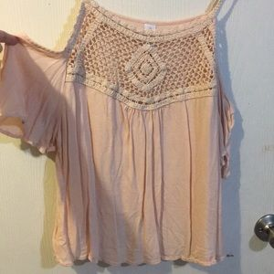 Shoulder less flowy pink shirt